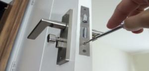Cambiamos cerraduras de puertas de Comunidades en Monforte del Cid