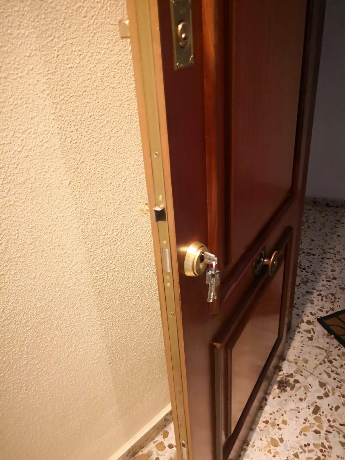 apertura de puertas en Urbanova